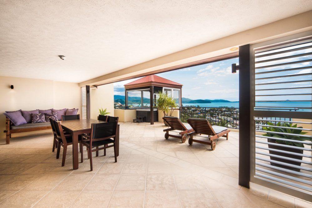 apartment-11-pinnacles-airlie-beach-2
