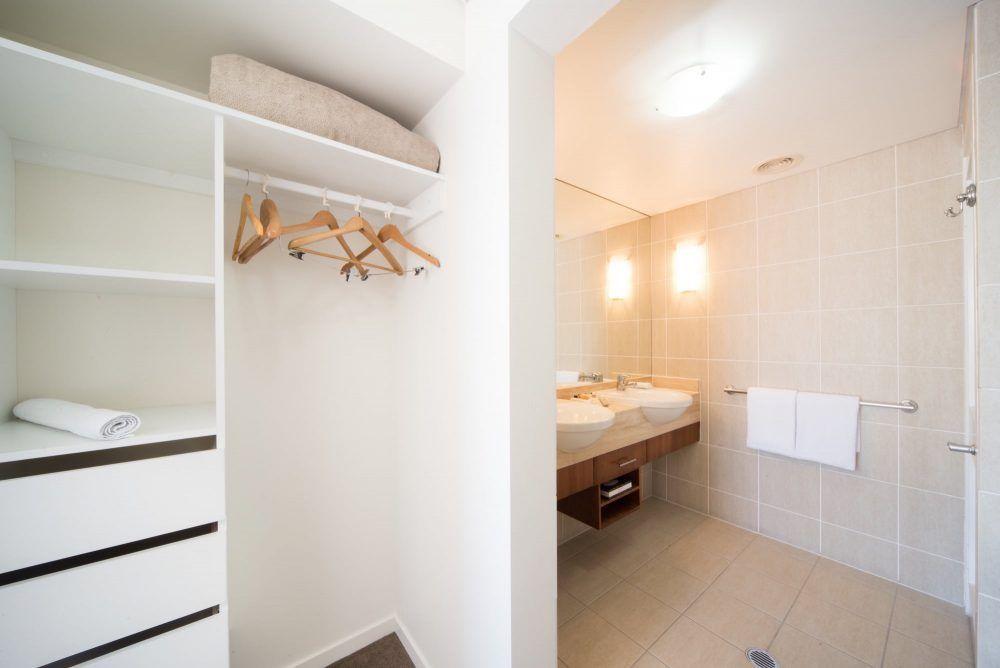 apartment-13-pinnacles-airlie-beach-6
