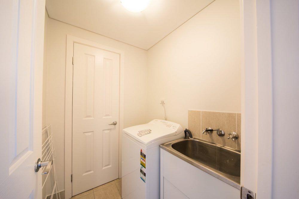 apartment-13-pinnacles-airlie-beach-8