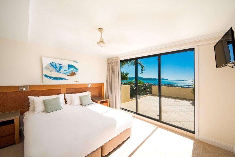apartment-15-pinnacles-airlie-beach-2