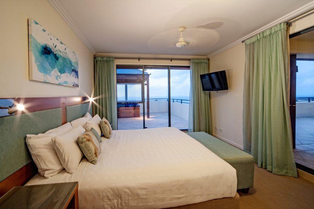 apartment-16-pinnacles-airlie-beach-8