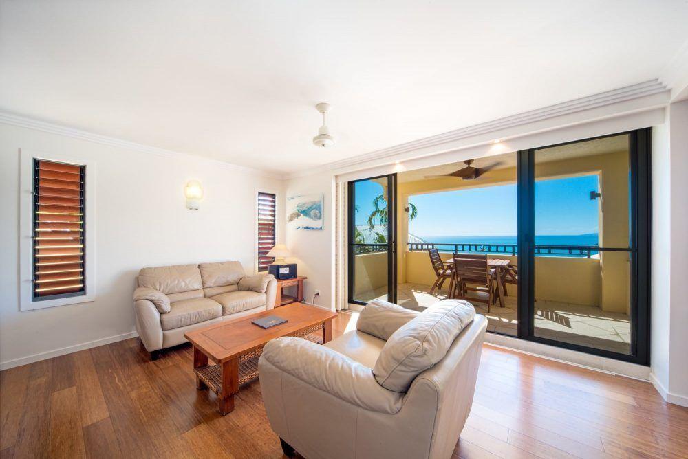 apartment-17-pinnacles-airlie-beach-1
