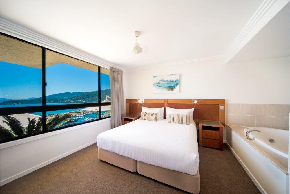 apartment-17-pinnacles-airlie-beach-2