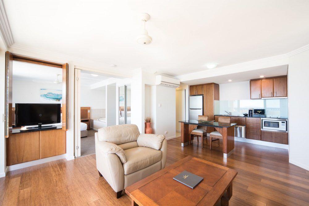 apartment-17-pinnacles-airlie-beach-6