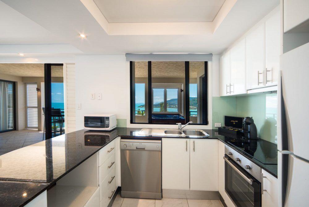 apartment-22-pinnacles-airlie-beach-5