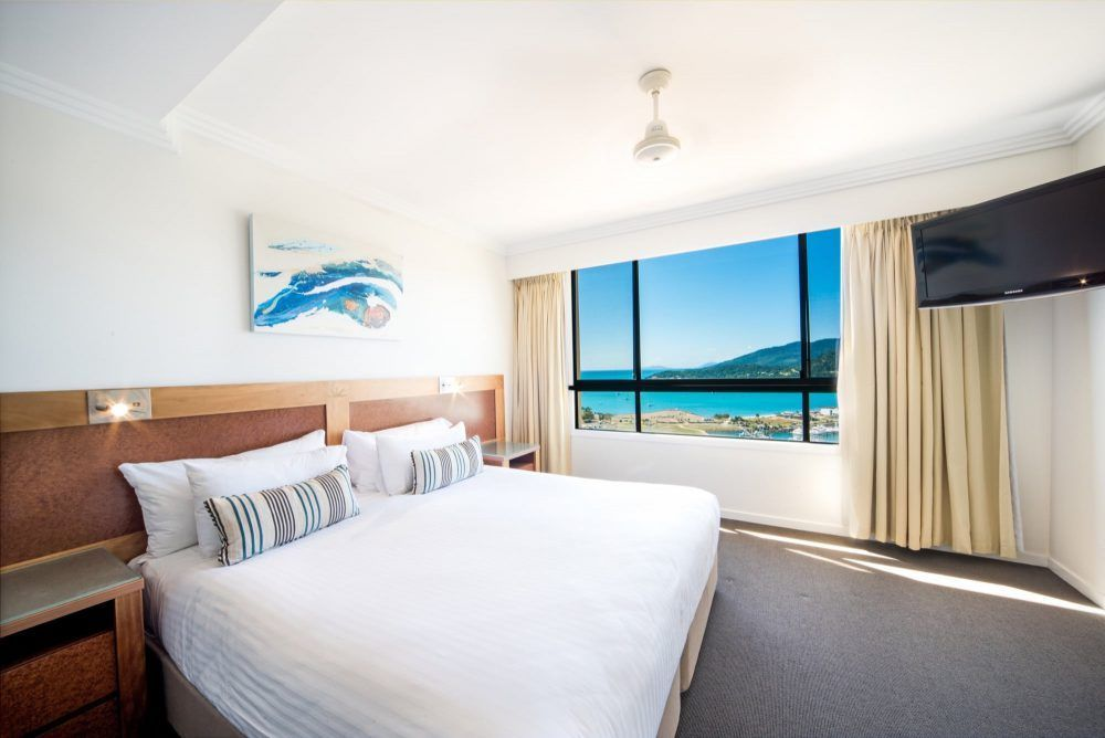 apartment-28-pinnacles-airlie-beach-1