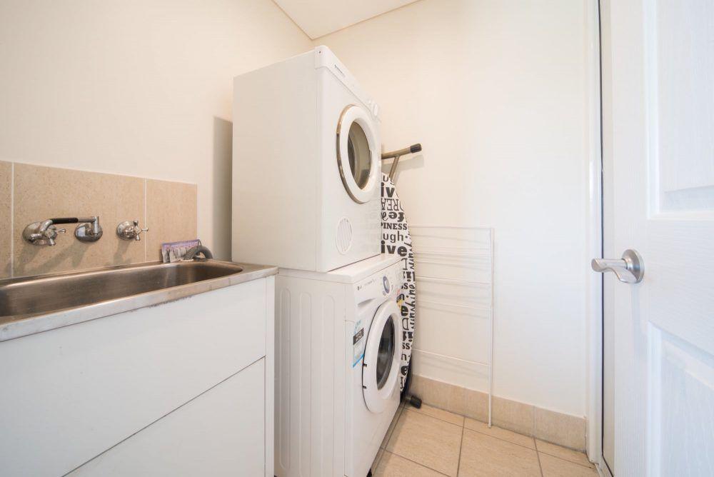 apartment-29-pinnacles-airlie-beach-16