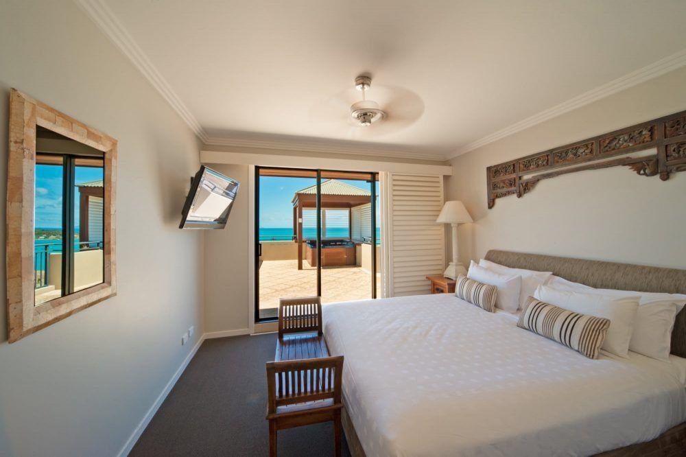 apartment-7-pinnacles-airlie-beach-22